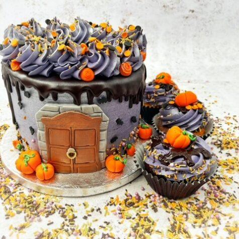 BOOtiful dripping cake